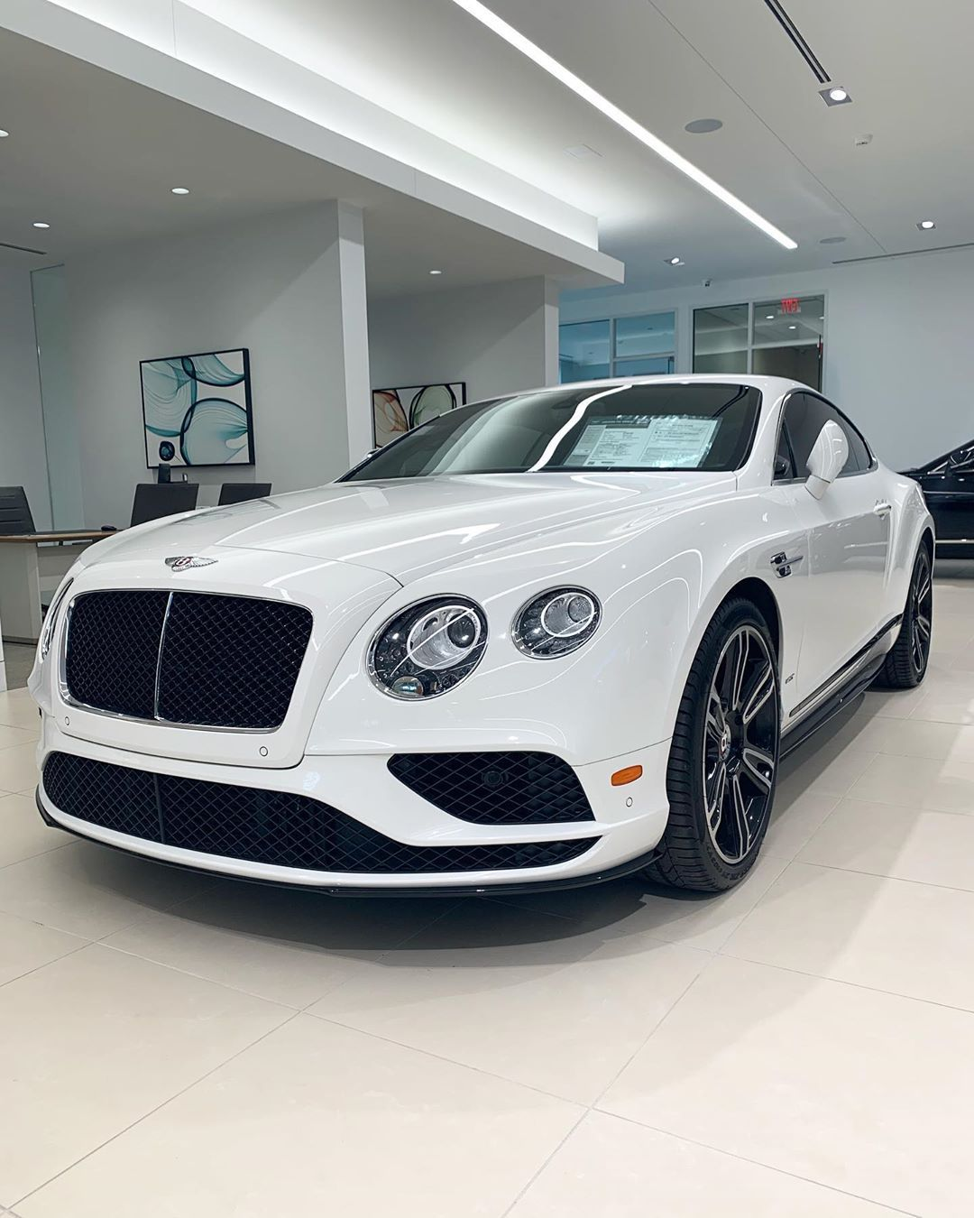 Bentley Dallas On Instagram Sleek And Stylish Doesn T Only Apply To New Cars Certified Bentleydallas Bentley Dallas Has Various Certified Pre Owne Voiture