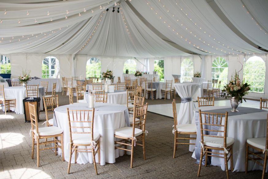 A Sundara Wedding In Roanoke Virginia Whitney Brian Wedding Venues In Virginia Virginia Wedding Venues Glacier Park Wedding