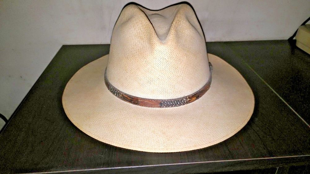 BAILEY U-ROLLIT STRAW COWBOY HAT   VERY NICE CONDITION   SIZE 7 1 8 TO 7  1 2