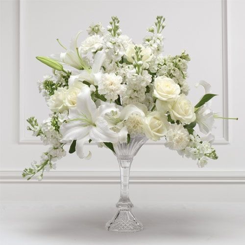 Floral arrangements creating a simple flower arrangement for Floral wedding decorations ideas