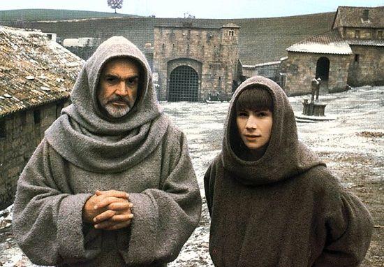 O Nome da Rosa (1986) - Esse clássico do cinema mostra como era a vida num mosteiro durante a Idade Média. Conflitos religiosos e questões sexuais são alguns dos temas retratados na obra, que mostra a investigação das mortes de sete monges que viviam no mosteiro.
