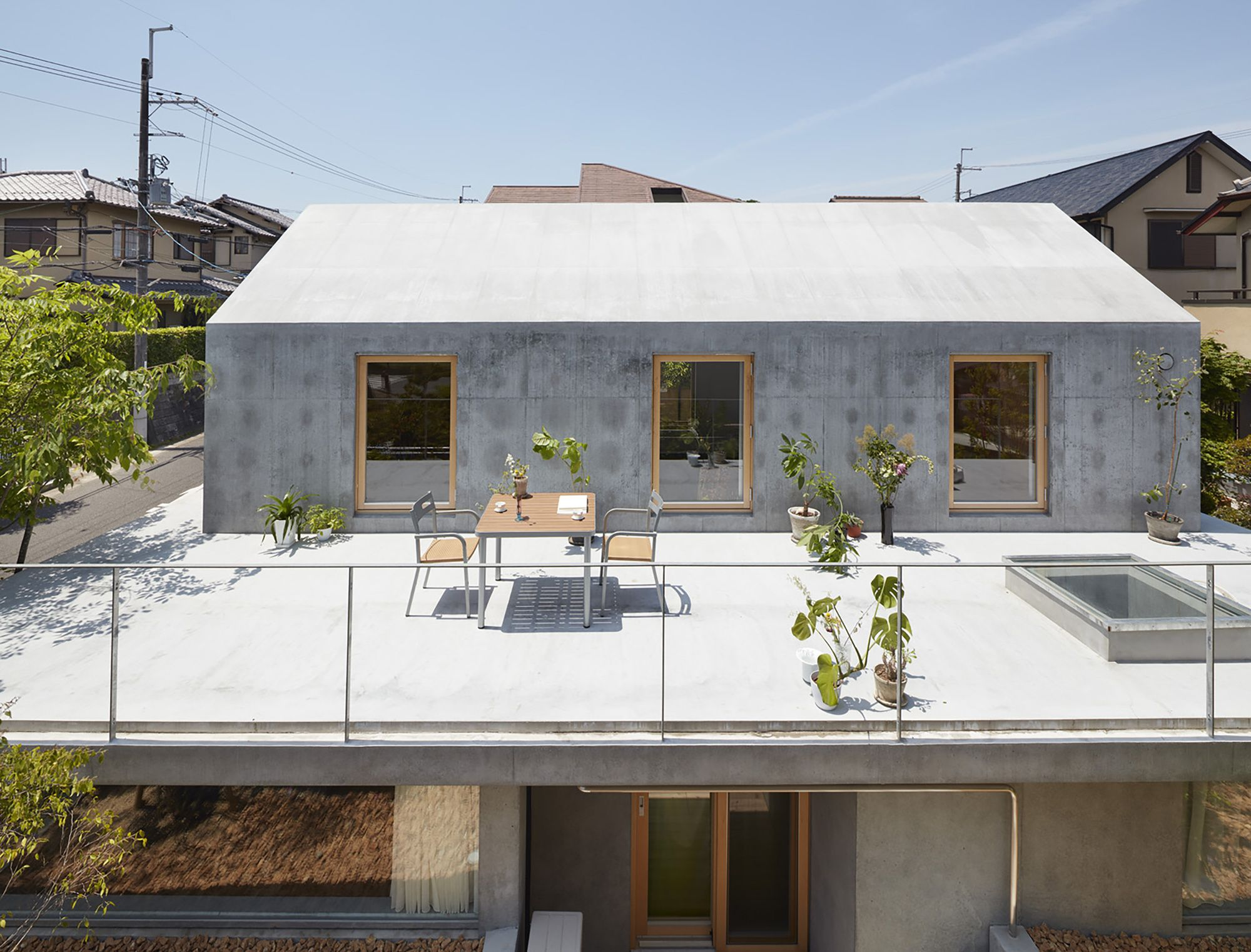 Floating Hut Tomohiro Hata Architect And Associates 建築 住宅