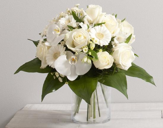 id e de fleurs pour mariage adonis bouquet rond de fleurs vari es avec roses et orchid es. Black Bedroom Furniture Sets. Home Design Ideas