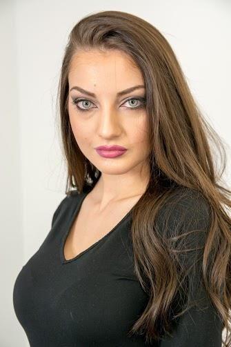 mude-jugoslawische-weibliche-models-jugendlich