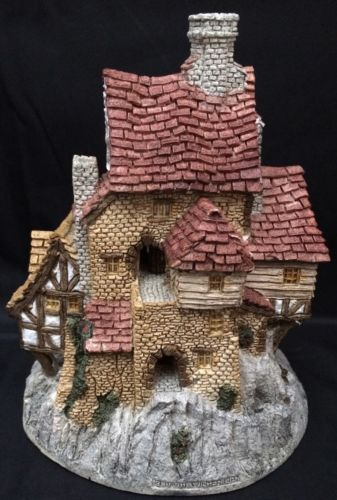 David Winter Cottage The House On Top No Box Small Nicks Small Boxes Cottage Painted Boxes