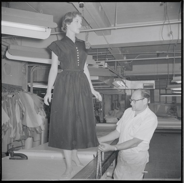 Lord Taylor New York Ny Nypl Digital Collections Lord Taylor 1940s Fashion Vintage Fashion