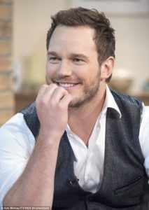Chris Pratt is a Celeb who has started to show signs of significant hair loss, over the years, his hair has taken a battering.