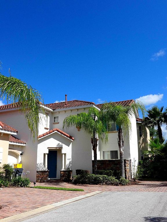 Our Executive Mediterranean styled Florida home features five bedrooms, three and a half bathrooms, swimming pool,spa and Game room. Set in a stunning natural area - surround by orange groves and just 15 minutes ...