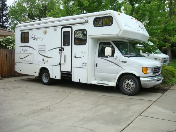 25 Foot Bigfoot Class C Motor Home On Ford E 450 Diesel Chassis
