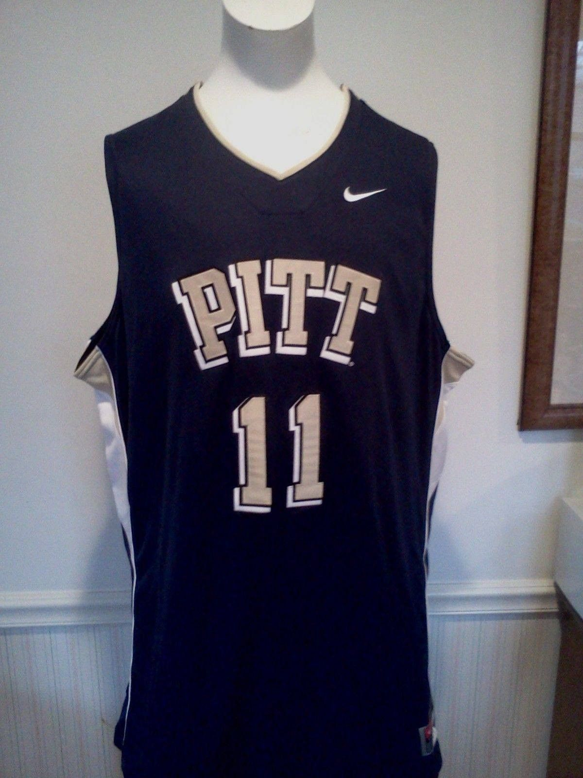 431167ec5cbb Up for sale is a Pitt Panthers Twin Twill Basketball Jersey by Nike. This  Pittsburgh