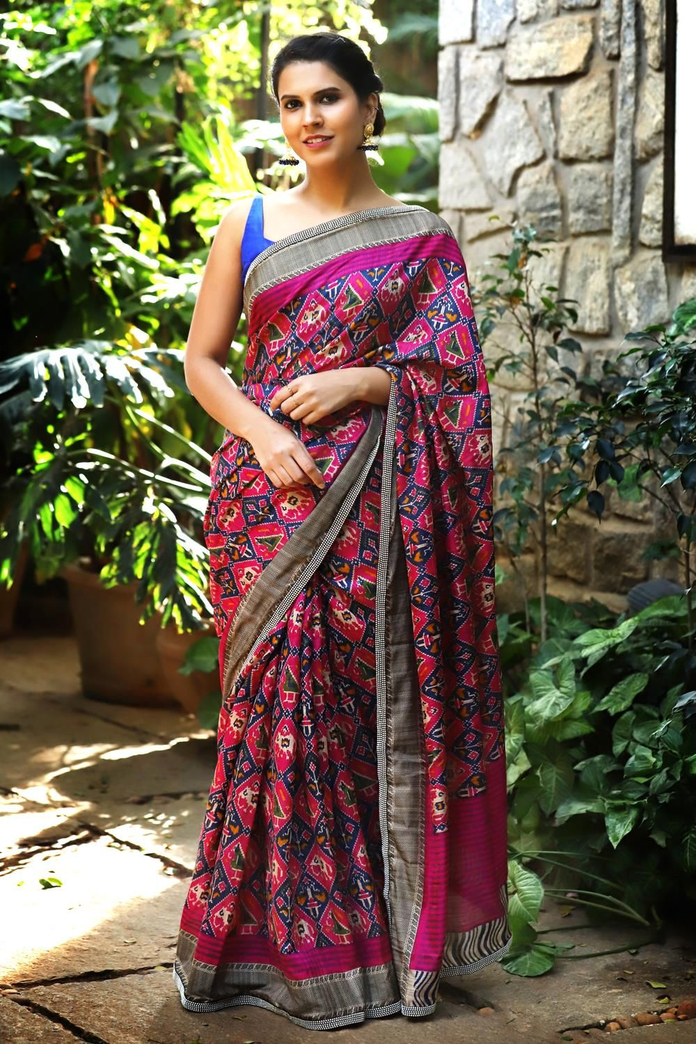 fbebc1262c2f88 Dark pink and blue jute saree with Patola print and pearl border #saree  #blouse #houseofblouse #indian #bollywood #style #designer #pink #blue  #black #jute ...