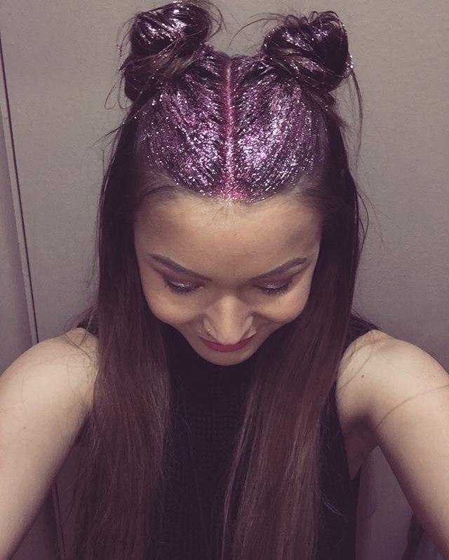 🦄 #hotpink #glitterhair #bunstagram #15%offstorewide #hairhousecastlehill…