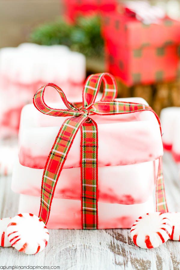 Create these easy DIY Peppermint Soaps as homemade Christmas gifts