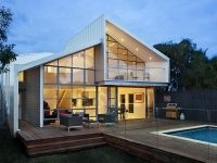 Contemporary suburban house extension and renovation in Melbourne by BiLD architecture