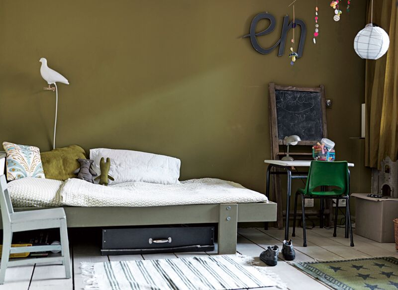 Chambre enfant mur vert kaki | Chambre enfant - kid bedroom ...