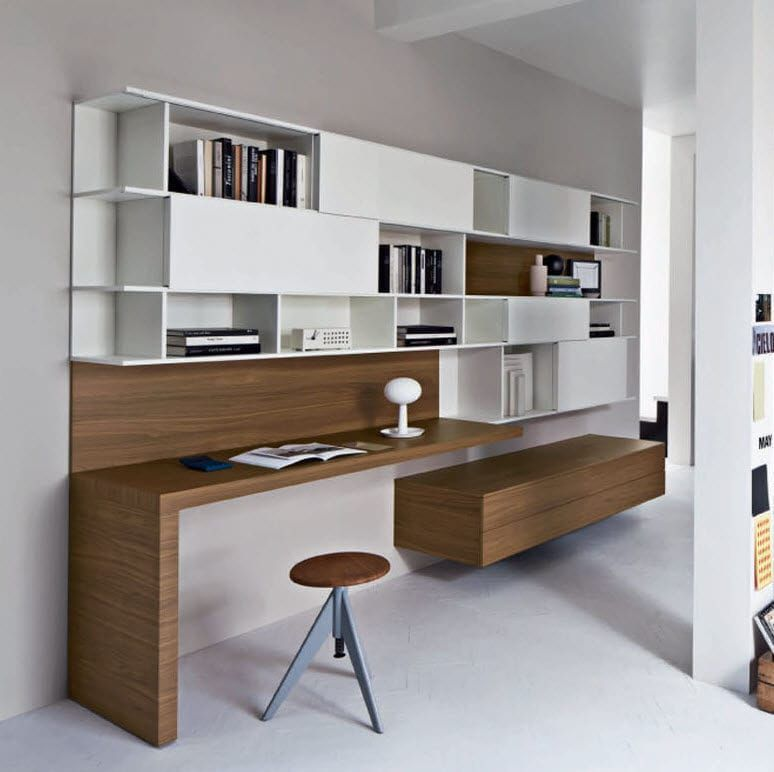 bureau contemporain en bois avec tag re alterno. Black Bedroom Furniture Sets. Home Design Ideas
