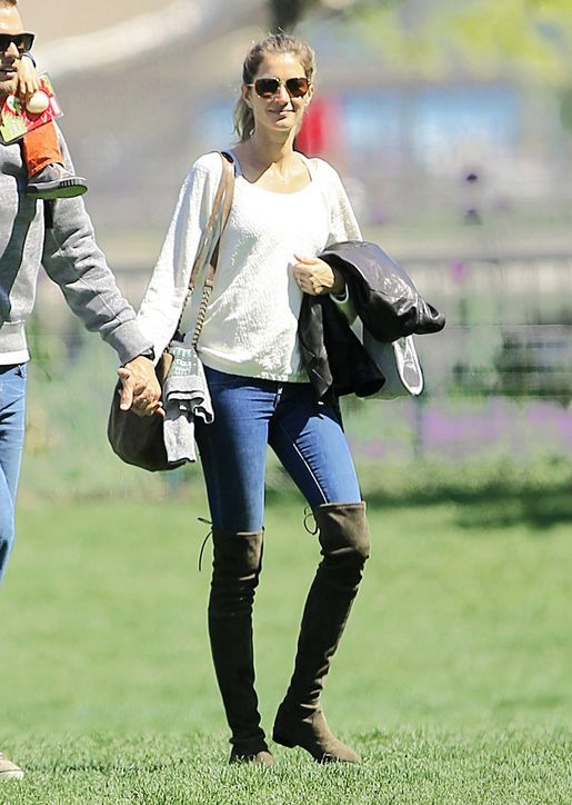 b08074f3e83 The World Can Thank Gisele Bundchen for Making Flat Over-the-Knee ...