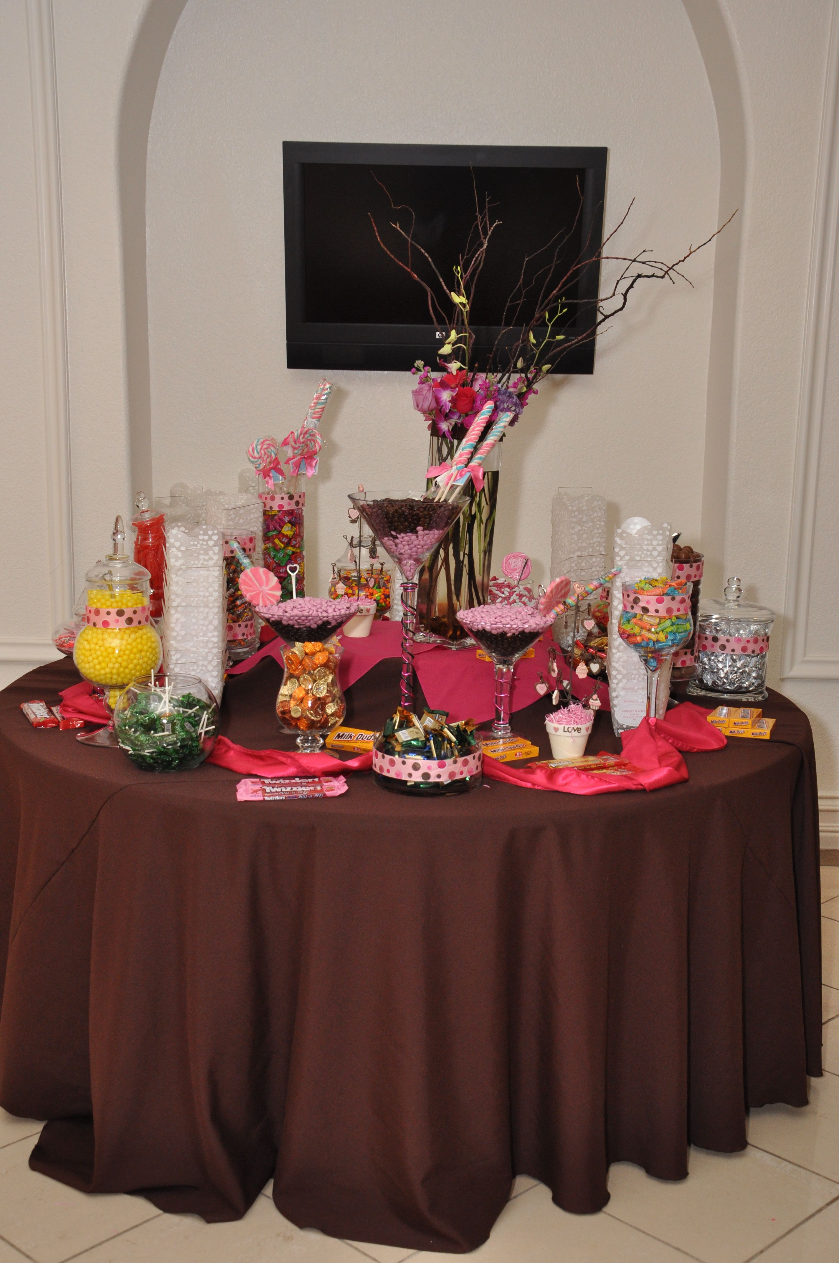 Strange Candy Bar On A Round Table Party Ideas Candy Bar Complete Home Design Collection Epsylindsey Bellcom