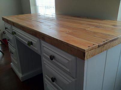pallet wood table top white desk with reclaimed wood top desk palletwood revival woodworks. Black Bedroom Furniture Sets. Home Design Ideas