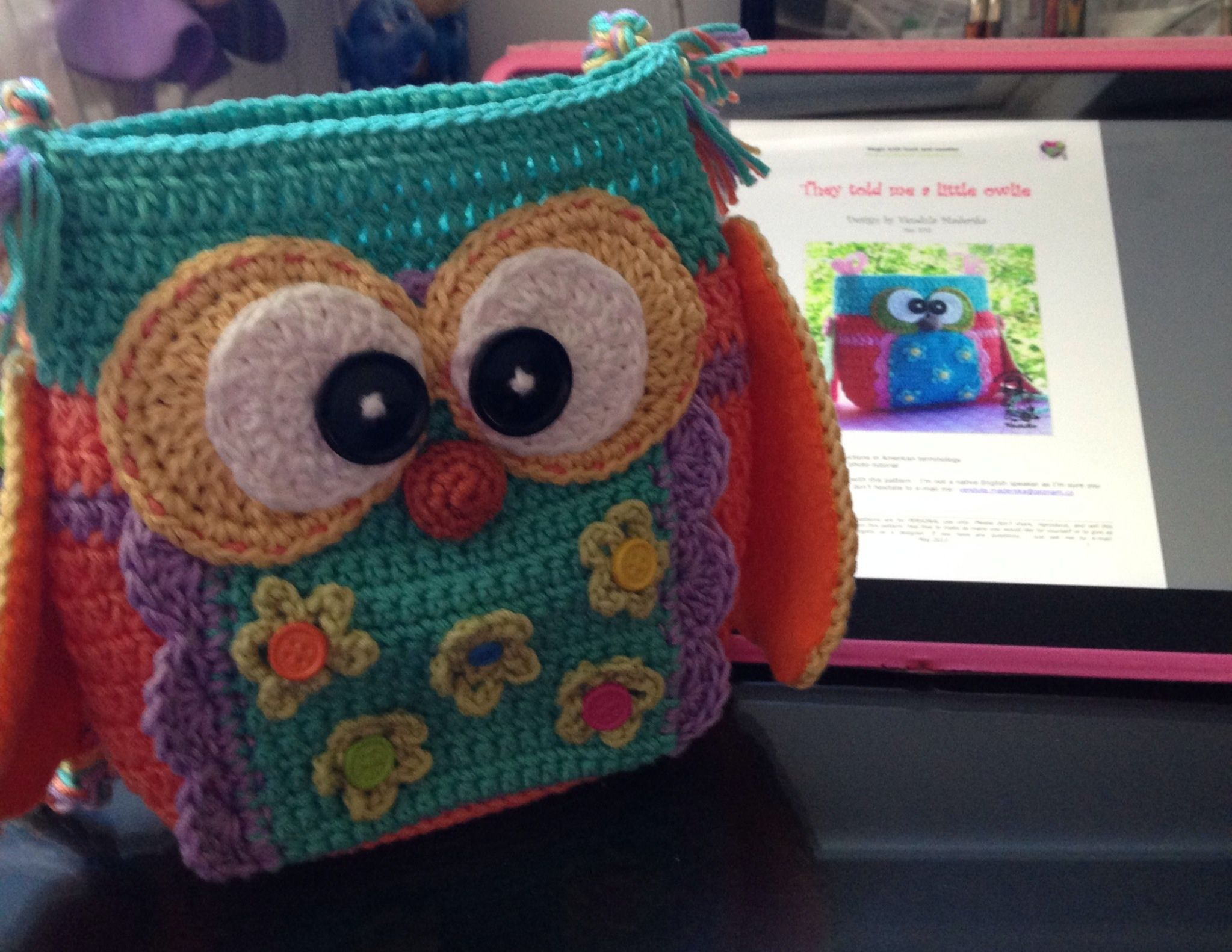 Owl purse based on pattern by Vendula www.vendulkam.blogspot.com ...