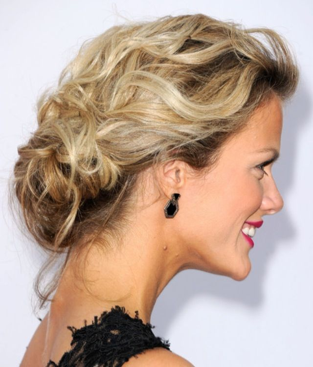 Simple Long Hair Wedding Style For Mother Of Groom In Her 60 S: Long Hair Styles, Thin Hair