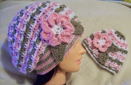 Mothers Beret. Mother and Daughter Free Crochet Hat pattern | Gorros ...