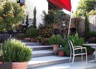 Hang nutzen, eine sonnige Stufenterrasse anlegen | Cottage ...