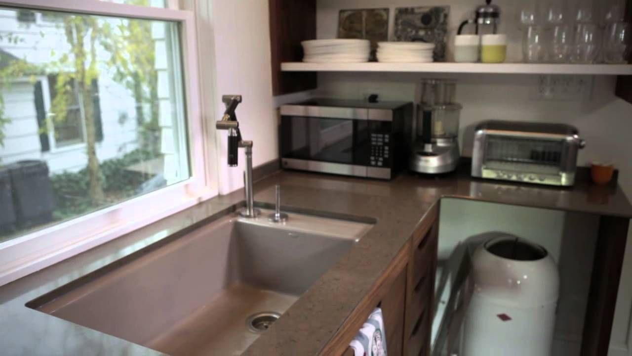 Love the statement faucet in this kitchen!  Check out all of the other Kohler Karbon finishes here: http://www.plumbersurplus.com/Prod/Kohler-K-6227-C12-CP-Karbon-articulating-deck-mount-kitchen-faucet-with-black-tube-Polished-Chrome/170874/Cat/1075