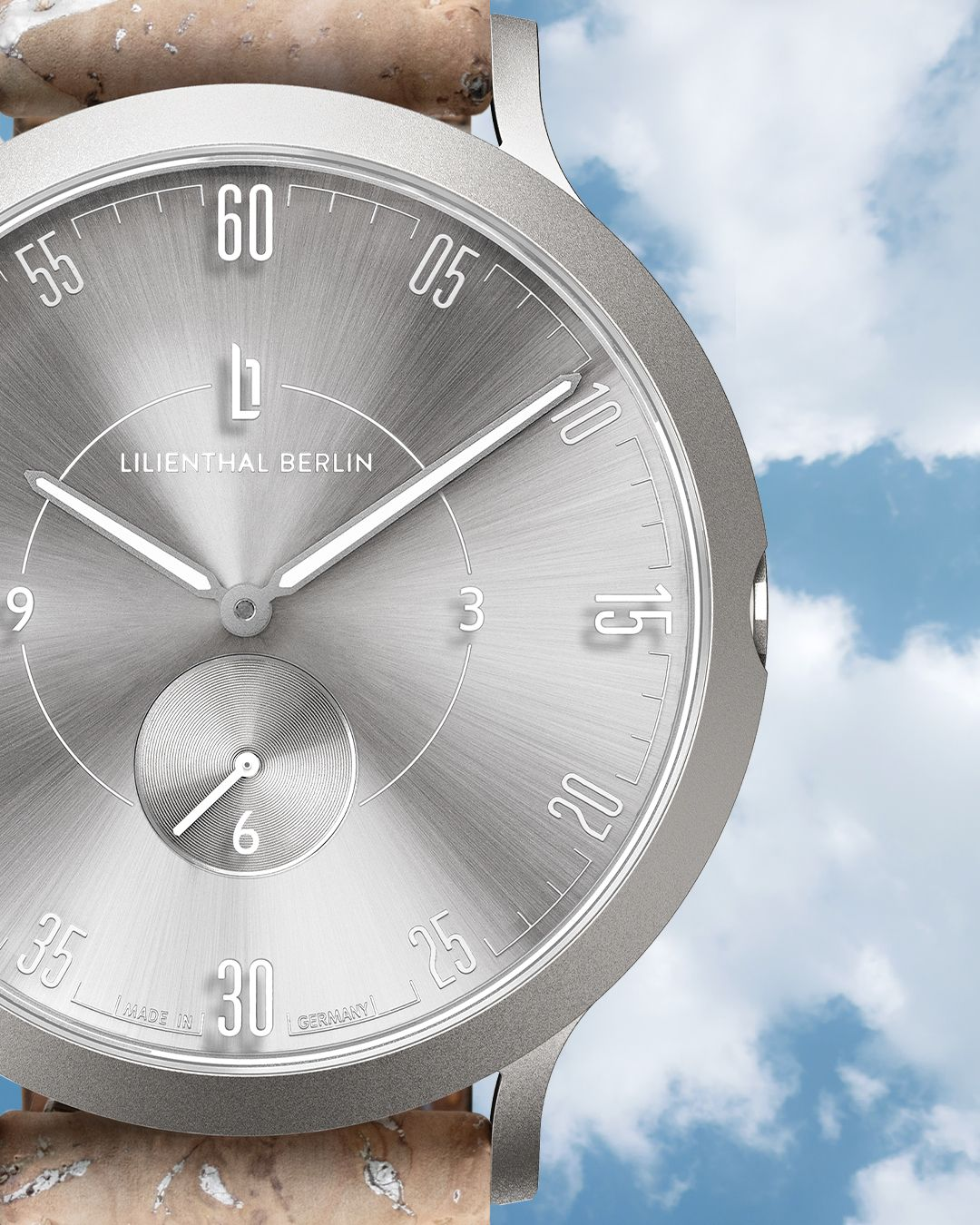 Discover the lightest member of Lilienthal Berlin's Elements Collection: the titanium L1 Air.
