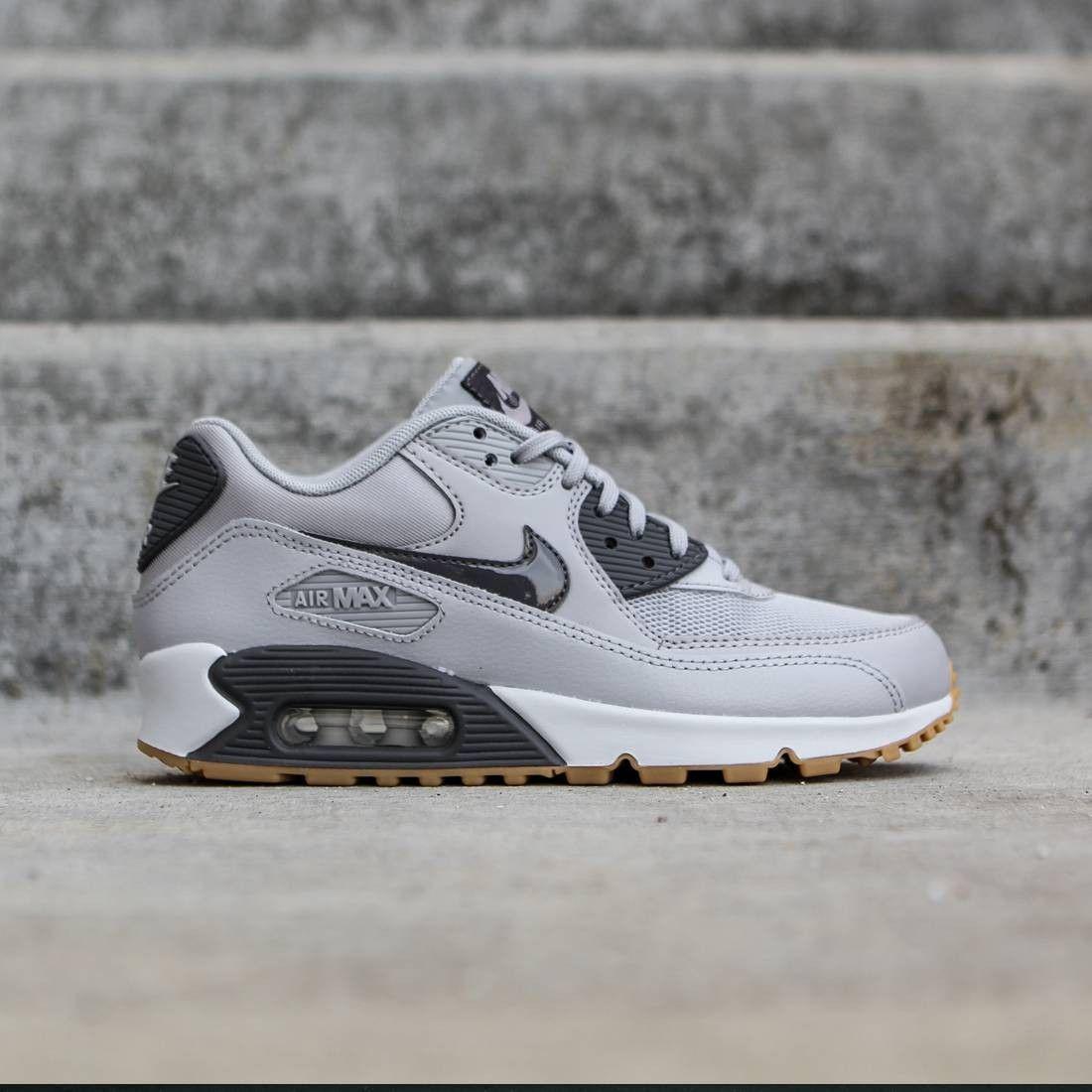 Nike Women Air Max 90 Essential (gray / wolf grey / dark ...