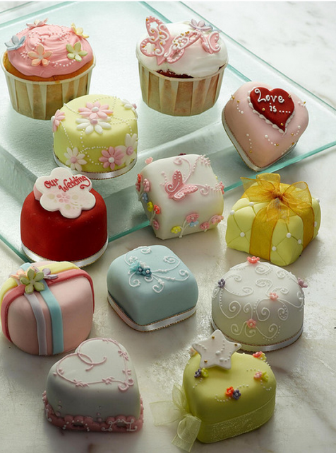 Petit fours are so cute. Mostly from My long held obsession with miniature stuff. I think I'd be afraid to eat it and mess it up.