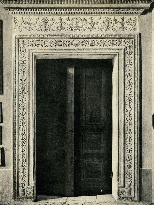 Урбино. Дверной проем и деталь Герцогского Дворца / 3-2