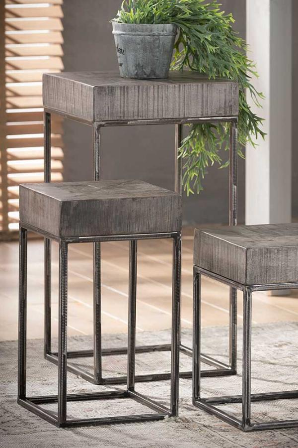 Beistelltisch Set Maraike In Grau Massiv Und Metall In 2020 Design Beistelltisch Beistelltische Set Beistelltische