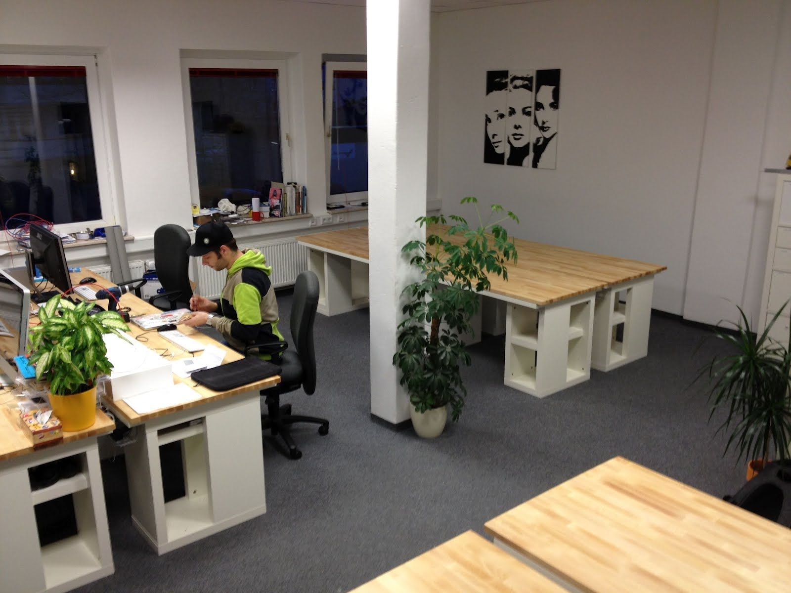 ikea hackers - workspace.put in dual office/workroom with
