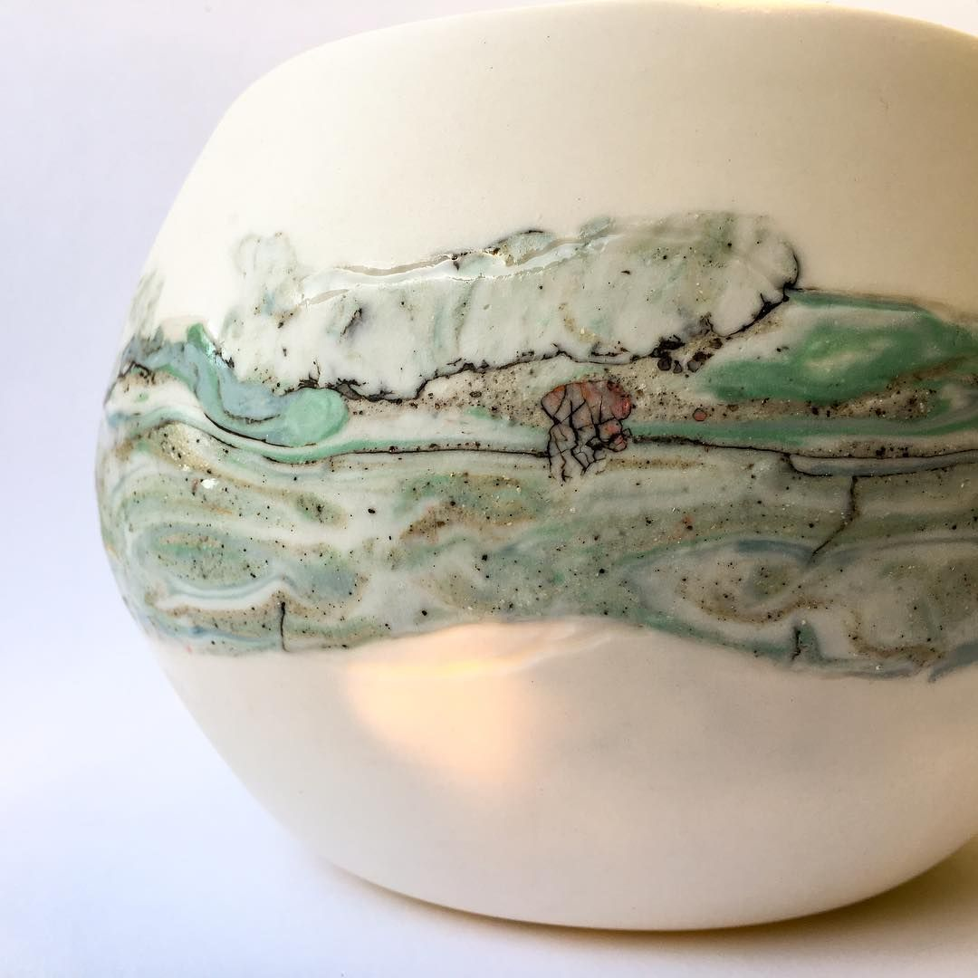 Porcelain Pendant With A Heart Larissa Warren Creates Fine Translucent Porcelain Lighting With Coloured Cera Ceramic Artwork Porcelain Art Porcelain Painting
