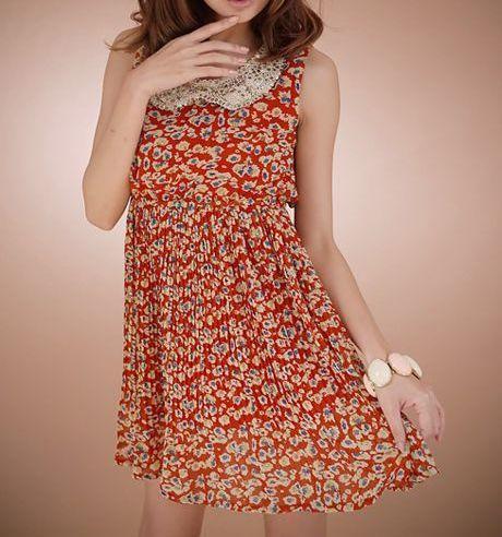 Rhinestoned Peter Pan Collar Floral Pleated Dress