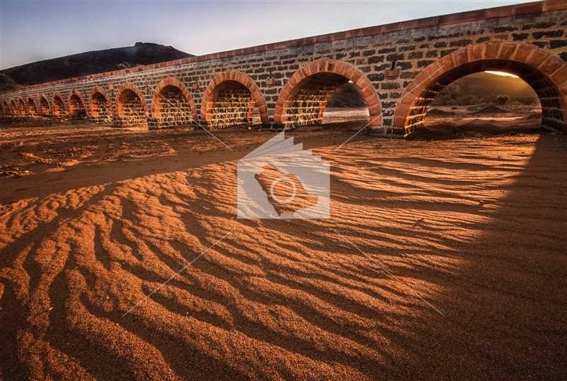 جسر القطار العثماني الذي يقطع احد اودية المدينة المنورة Monument Valley Country Roads Natural Landmarks