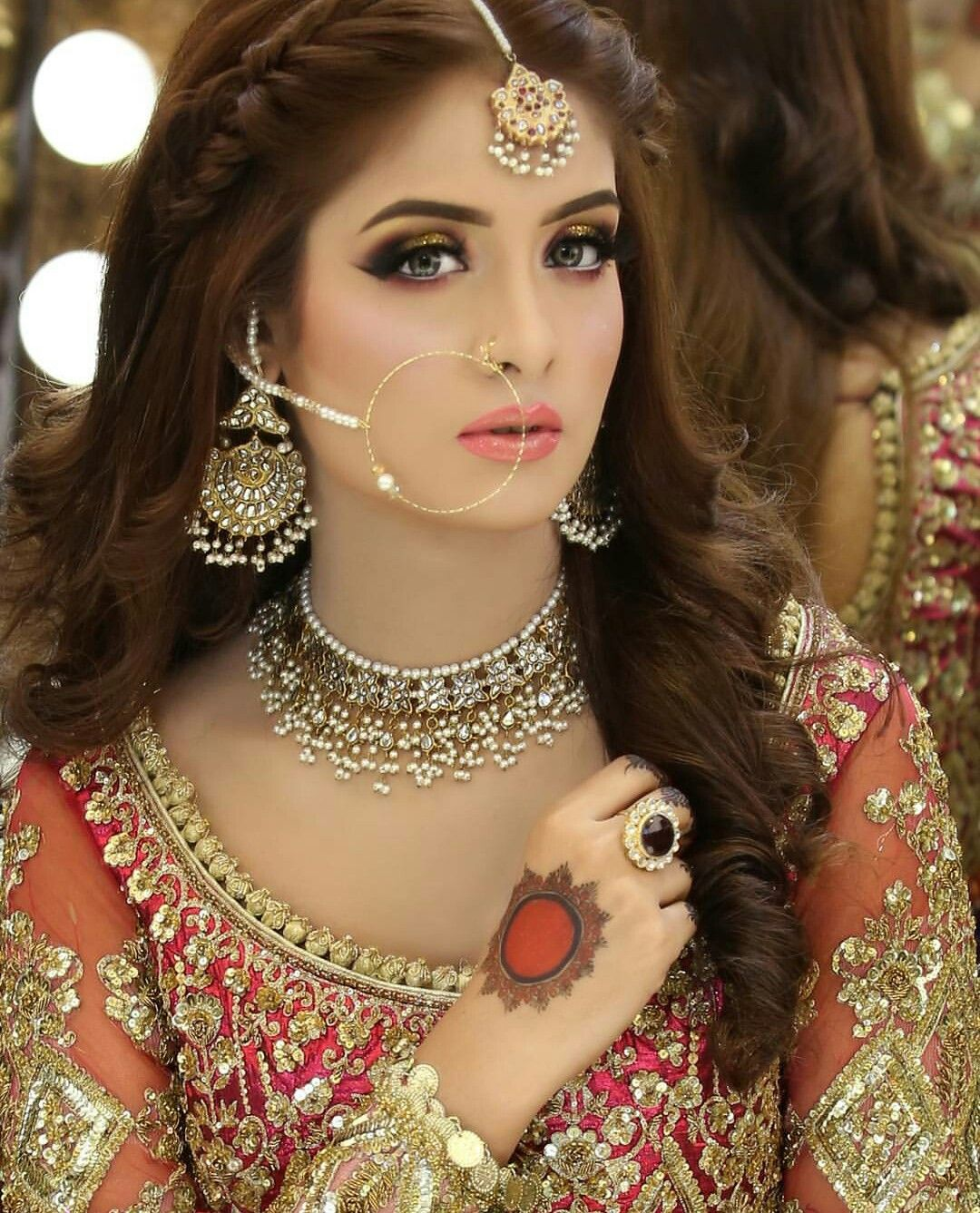 Image by Arianny Andrade on Indiano Pakistani bridal makeup