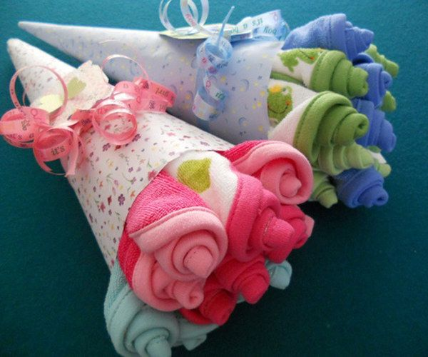 Bouquet Gift For Baby Shower Using Burp Clothes Towels