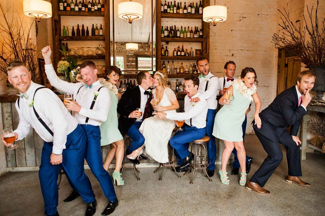 Learn how to create rd party partnerships with wedding photography