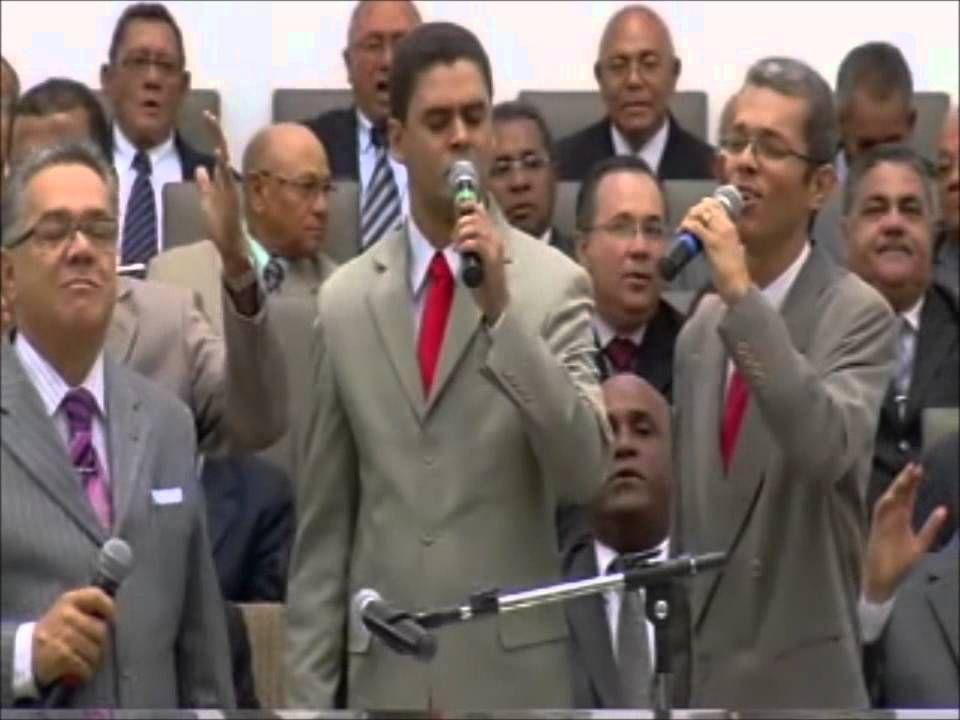 Quarteto Gênesis canta muito além do sol e emociona pastor Ailton José A...