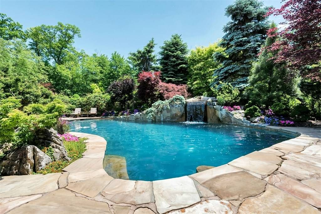 homes for sale in burlington with swimming pools