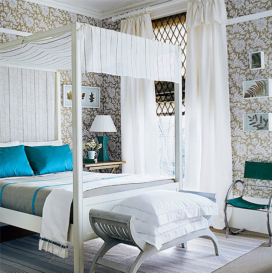 Guest Bedroom White And Gray: Luxurious Guest Bedroom