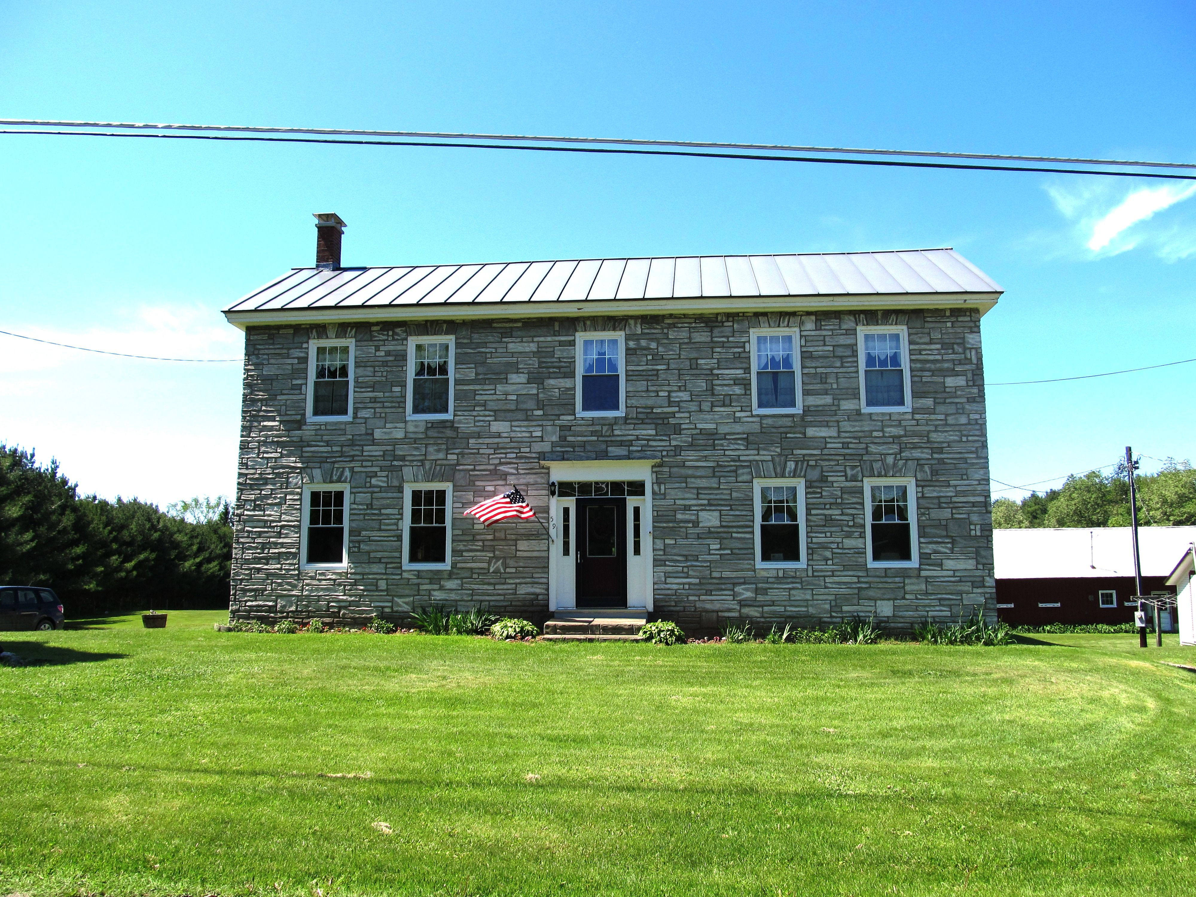 inn vermont the pet phineas bed swann peak dog friendly breakfast near jay and in