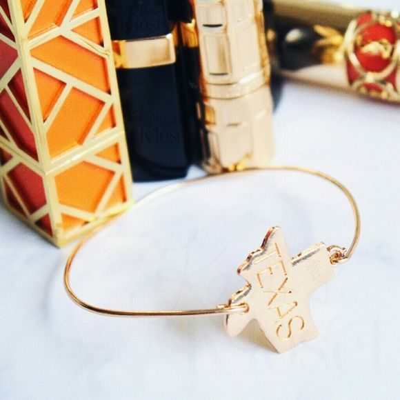 Jewelry | gold Texas state bangle bracelet