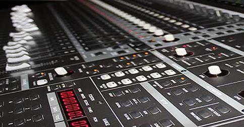 http://growinupstudios.com/   Estudios de Grabación,Producción Musical, Mezcla y Mastering   Estudios de grabación profesionales. Producción musical y composición de todo tipo de   música original para bandas sonoras para cualquier formato y medio, mezcla y mastering de   discos, doblaje profesional con locutores nativos, efectos especiales, sound design.