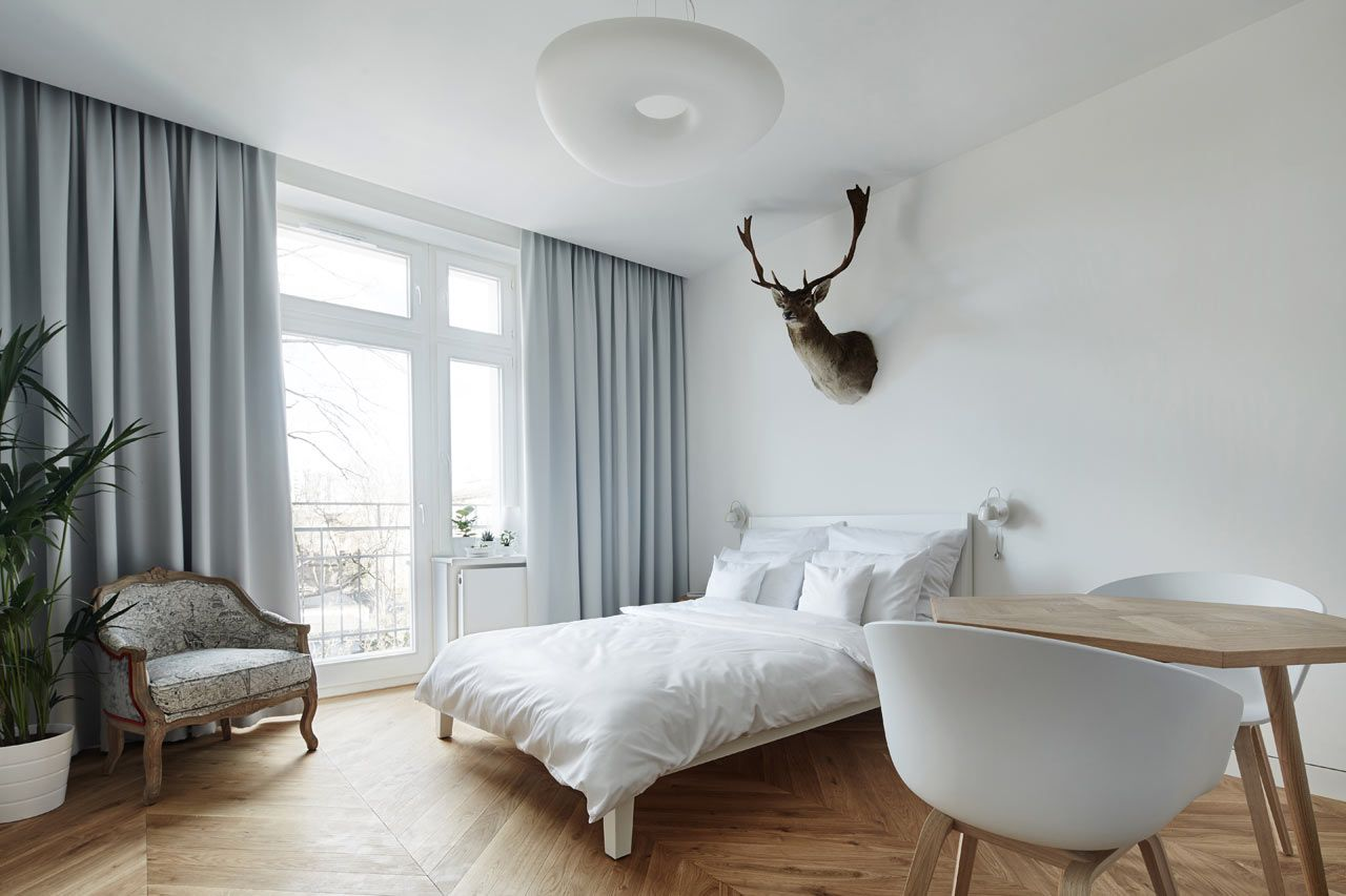 Blackhaus Karol Ciepliñski Architekt Just Completed A Studio Apartment For Rent In Recently Renovated Tenement House Krakow That Was Built 1934