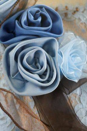 Sew Fabric Flower Corsages as Detachable Embellishments for Garments