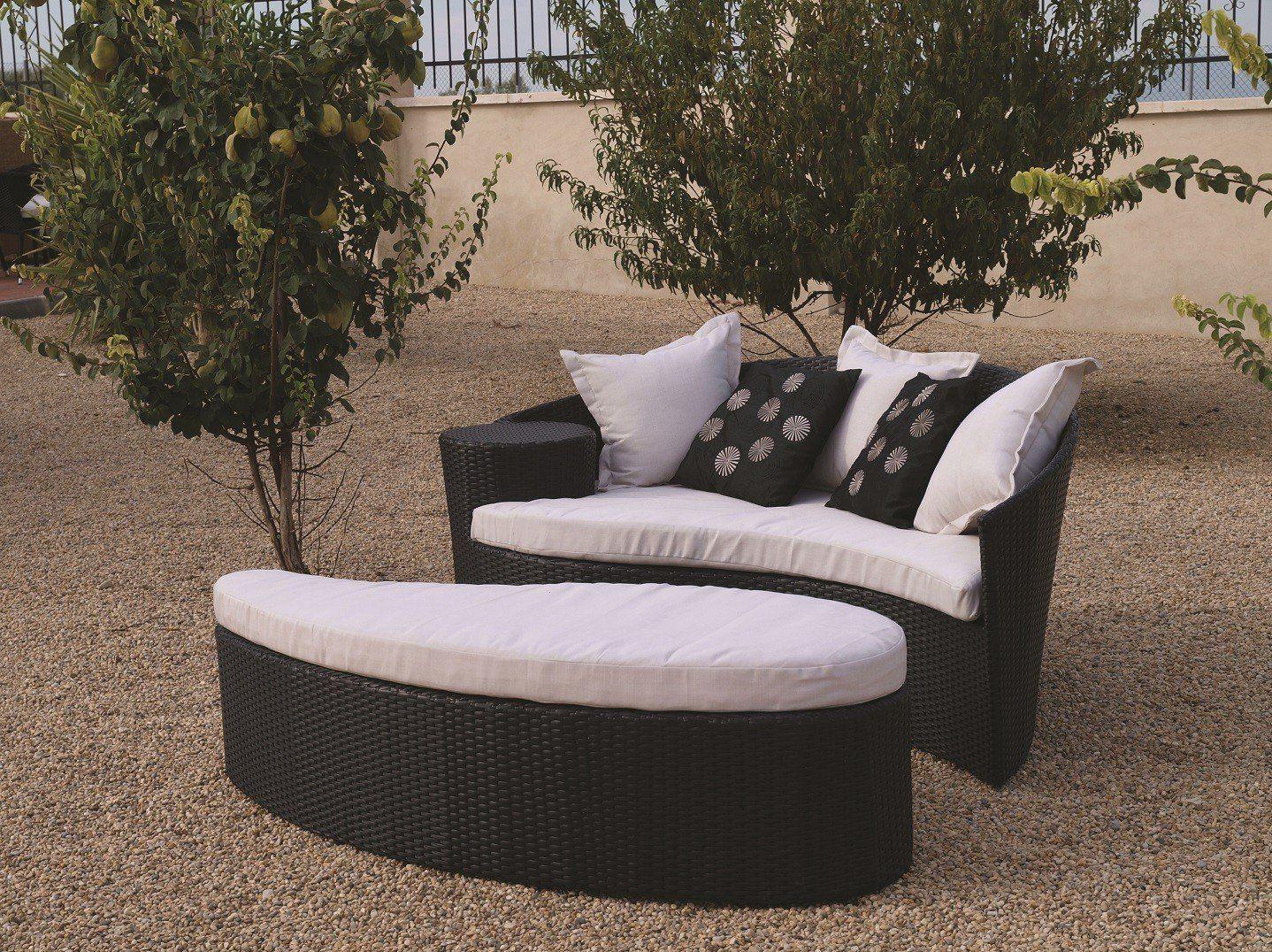 6 Oceans Rattan Furniture - Fiji Rattan Outdoor Garden Daybed