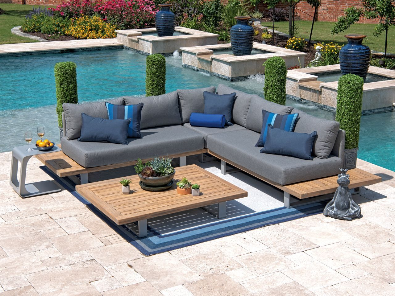 Ludlow 4 Pc Aluminum Solid Teak Sectional Seating Group